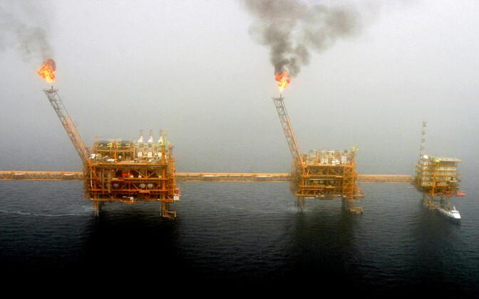 Iraani naftapuurimistornid Pärsia lahes.