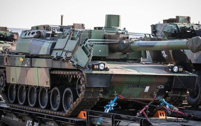 Французские танки в Тапа.
