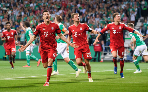 Müncheni Bayern Robert Lewandowski võiduväravat tähistamas