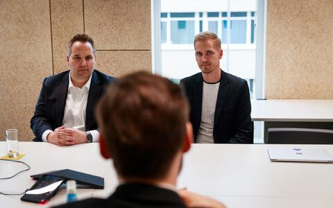 kype Eesti arenduskeskuse juht Tanel Erm ja Microsofti intelligentsete kommunikatsioonisüsteemi osakonna juht Scott Van Vliet