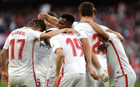 Sevilla mängijad rõõmustamas.