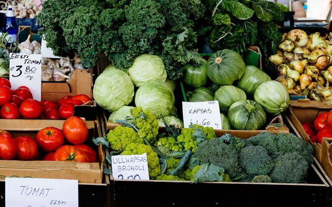 Köögiviljalett turul.