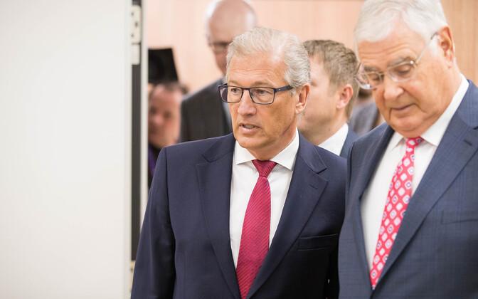 Advokaat Aivar Pilv ja Alexander Kofkin kohtus