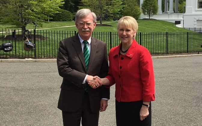 John Bolton ja Margot Wallström Washingtonis.
