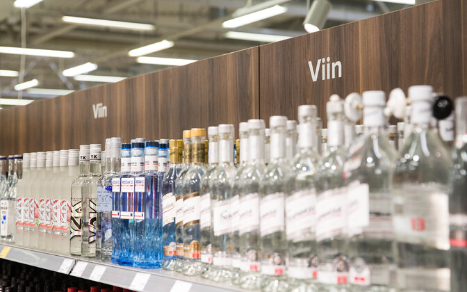 A 25 percent reduction in the alcohol excise duty in Estonia may lead to fewer Estonians traveling to Latvia to purchase alcohol, but also more Finns traveling to Estonia again to buy it.