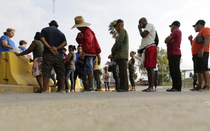 USA-st asüüli soovivad migrandid.
