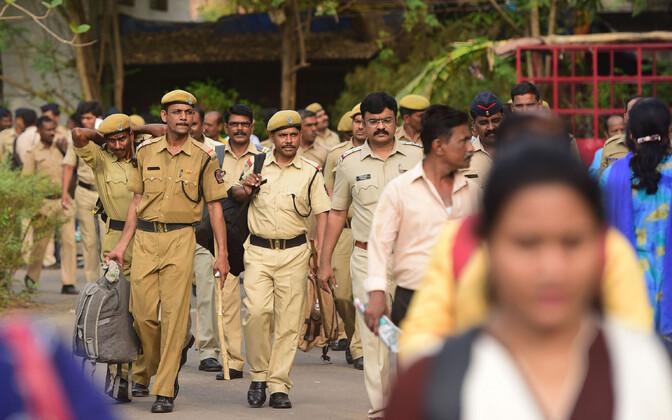 India politseinikud Maharashtra osariigis.