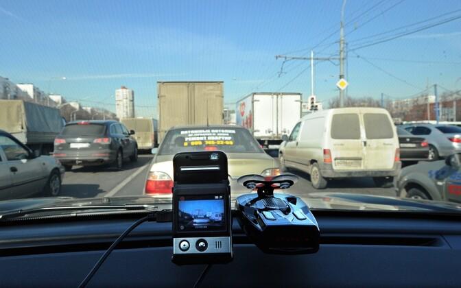 Автомобильный видеорегистратор в первую очередь предназначен для личного пользования.