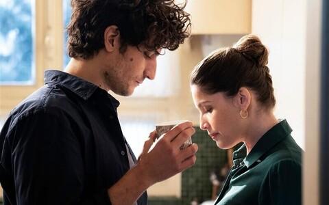 """Louis Garrel Abelina koos oma abikaasa Laetitia Castaga Marianne'i rollis filmis """"Truu mees"""""""