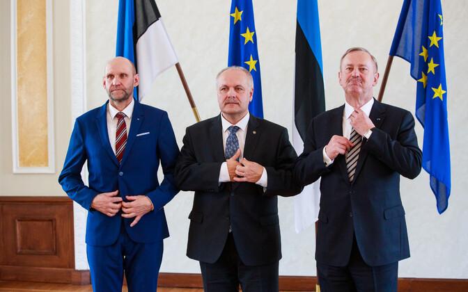 В день выборов правления Рийгикогу 5 апреля в Белом зале флаги ЕС еще стояли рядом с флагами Эстонии.