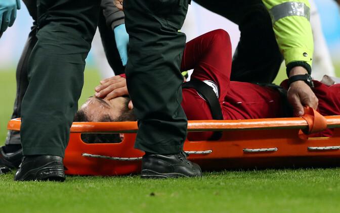 Mohamed Salah lahkus laupäevaselt mängult kanderaamil.