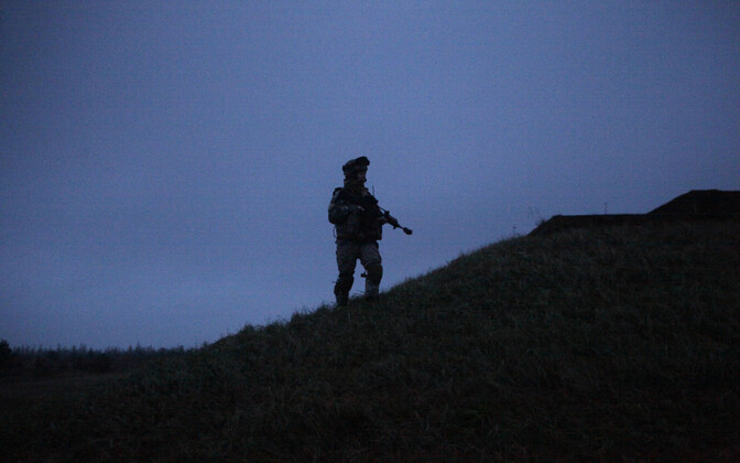 Sõdur Lätis Adaži polügoonil.