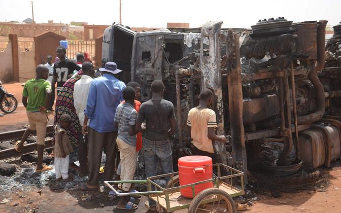 Nigeri plahvatuse sündmuskoht esmaspäeval.