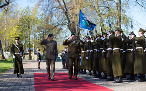 Chief of Staff of Poland's defense forces Lieut. Gen. Rajmund T. Andrzejczak arriving in Estonia Monday.