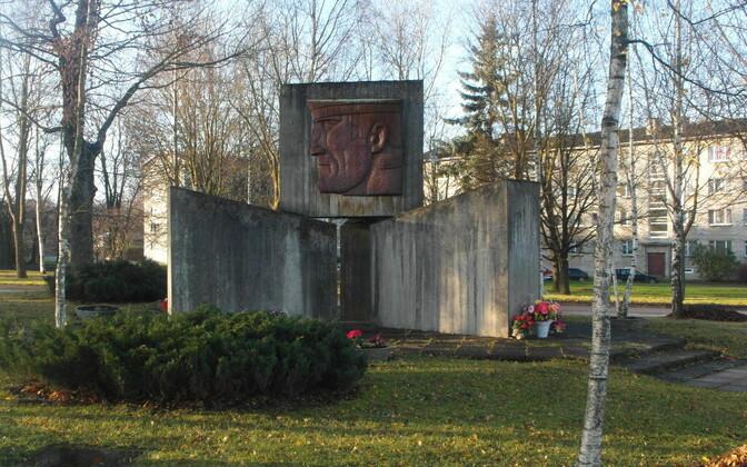 Памятник советским воинам является важным объектом для многих жителей Силламяэ.