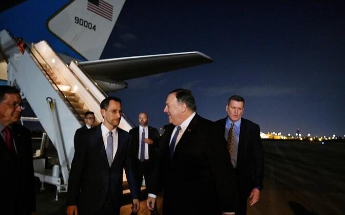 Välisminister Mike Pompeo Bagdadi lennuväljal.
