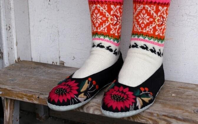 Anu Kaburi kootud Muhu sukad, mida samuti 2020. aasta mais konkursi võidunäitusel ERM-is eksponeeritakse.