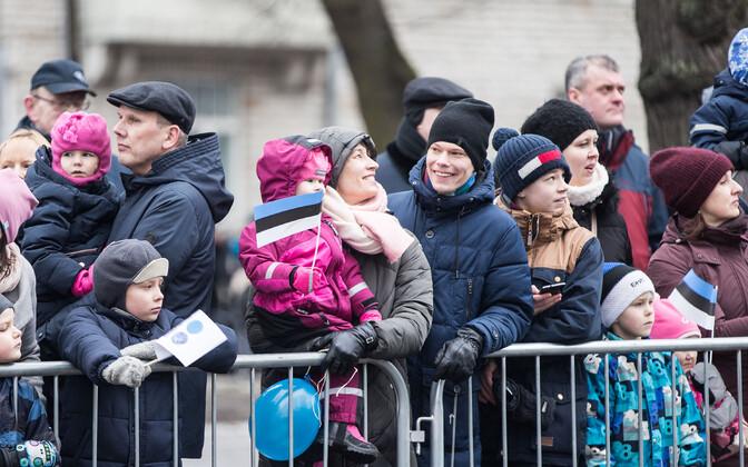 Больше рождений и снижение эмиграции увеличило население Эстонии.