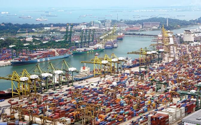 Трамп приказал начать процесс повышения тарифов практически на весь оставшийся импорт из Китая.