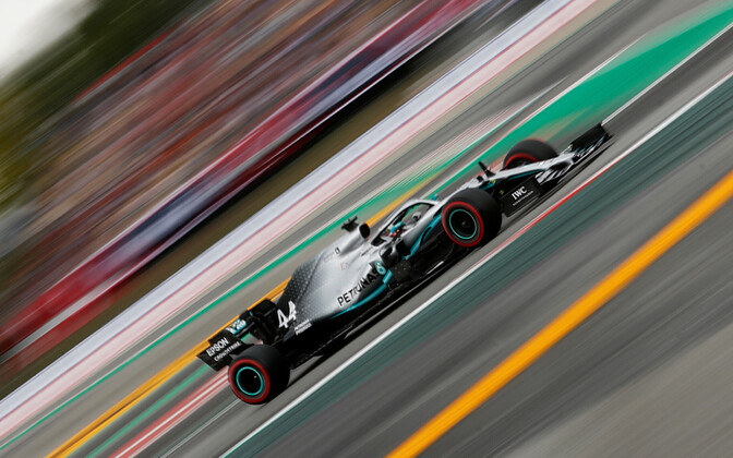 Lewis Hamilton Barcelona ringrajal.