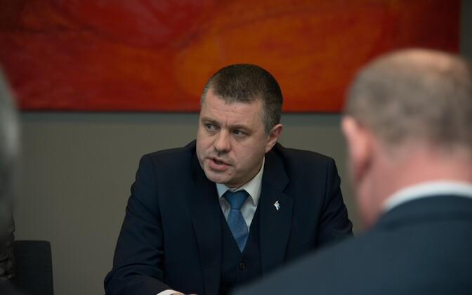 Министр иностранных дел Урмас Рейнсалу.