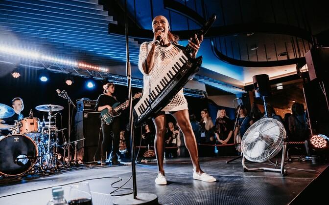Laura Mvula esines T1 Mall of Tallinnas
