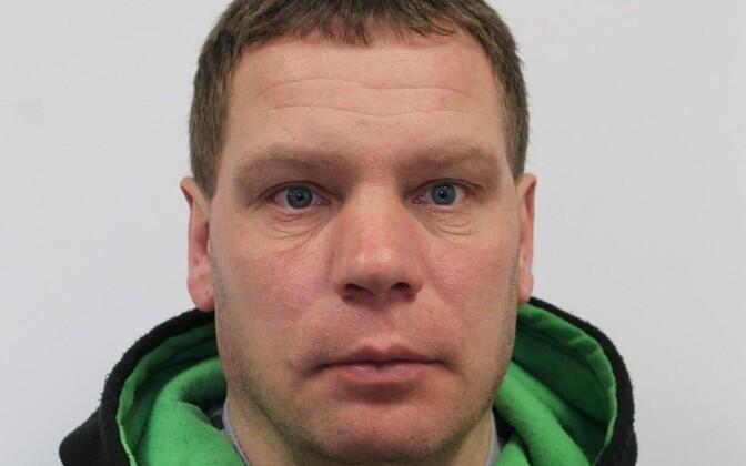 43-летний Михаил подозревается в совершении преступлений сексуального характера против несовершеннолетних.