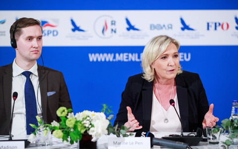 Press conference featuring Marine Le Pen and other European right wing party leaders.