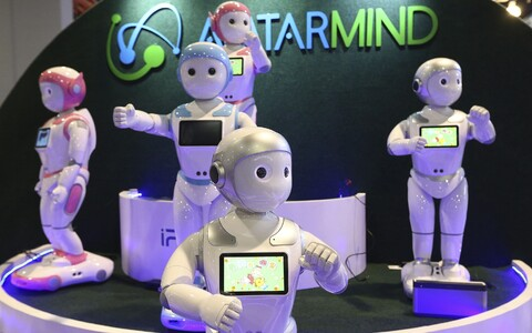 Enne tehisintellekti õpetajaks muutmist tuleb õpetada neid endid maailma tundma.