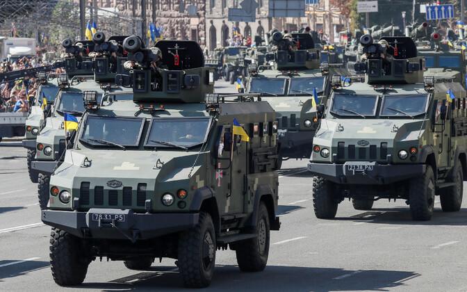 USA tarnitud tankitõrjeraketikompleksid Javelin Kiievis paraadil.