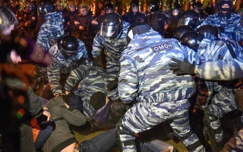 Акции протеста против строительства храма на месте сквера в Екатеринбурге