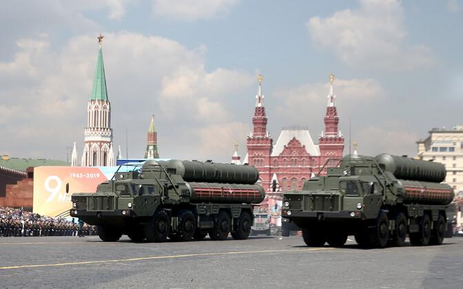 Vene õhutõrjeraketikompleksid S-400 Triumf paraadil Moskvas.