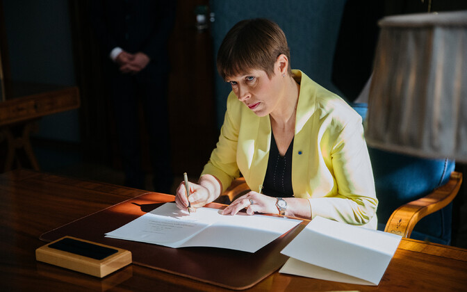 President Kersti Kaljulaid meeting with EKRE ministerial candidate Kert Kingo.