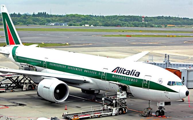 Alitalia отменила свыше 300 рейсов из-за забастовки пилотов