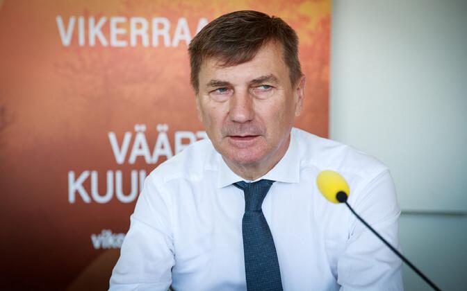Andrus Ansip appearing on ERR's Vikerraadio.