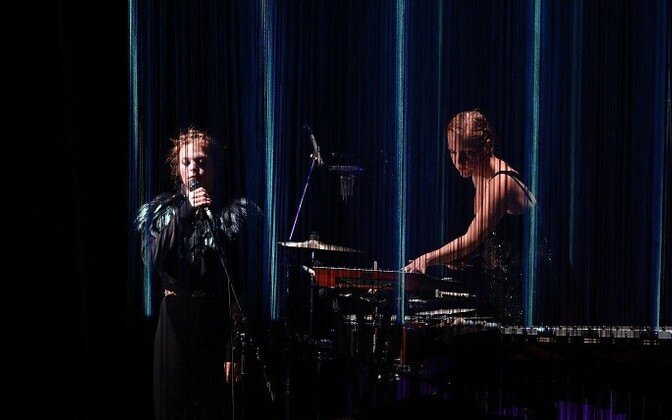 Yngvild Aspeli ja Ane Marthe Sørlien Holen lavastuses