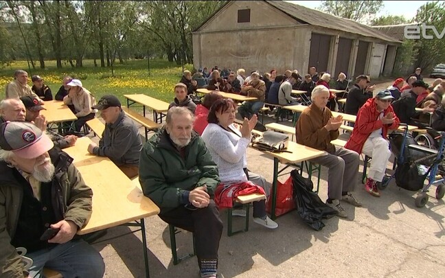 В поэтических соревнованиях приняло участие 55 человек.