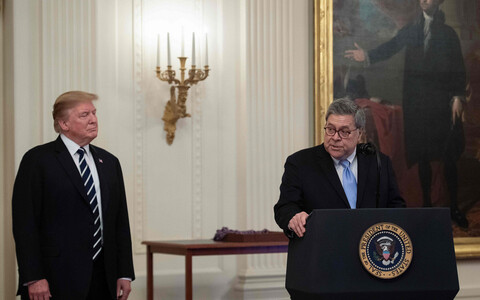 Donald Trump ja William Barr.