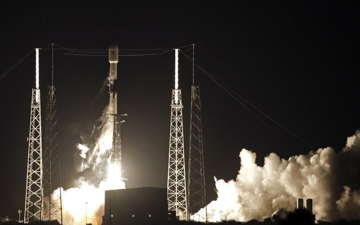 Falcon 9 startimas.