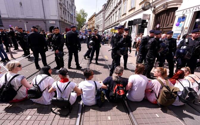 Aktivistid püüdsid takistada