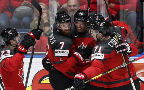 Сборная Канады одержала уверенную победу.
