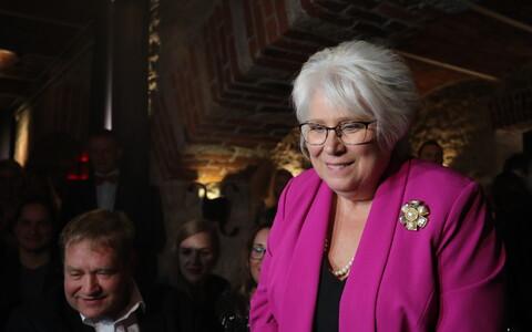 Marina Kaljurand ja sotsid valimisvõitu tähistamas