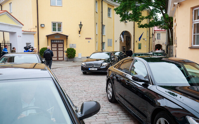 Coalition ministers' cars, outside the Stenbock House during the recent state budget discussions.