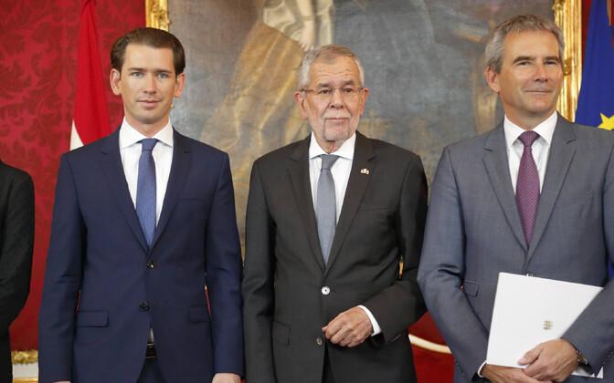 Vasakult: Sebastian Kurz, Alexander Van der Bellen ja Hartwig Löger.