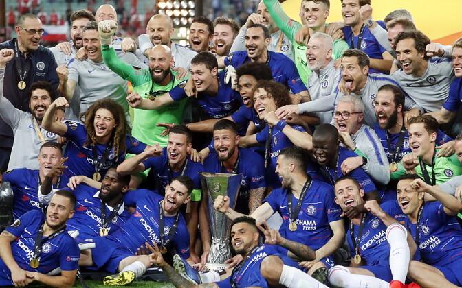 Londoni Chelsea Euroopa liiga trofeega