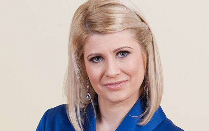 Виктория Ладыснкая-Кубитс покинула горсобрание на один год.