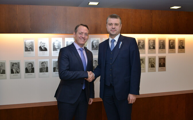 Canadian Ambassador to Estonia Kevin Rex with Minister of Justice Urmas Reinsalu (Isamaa).