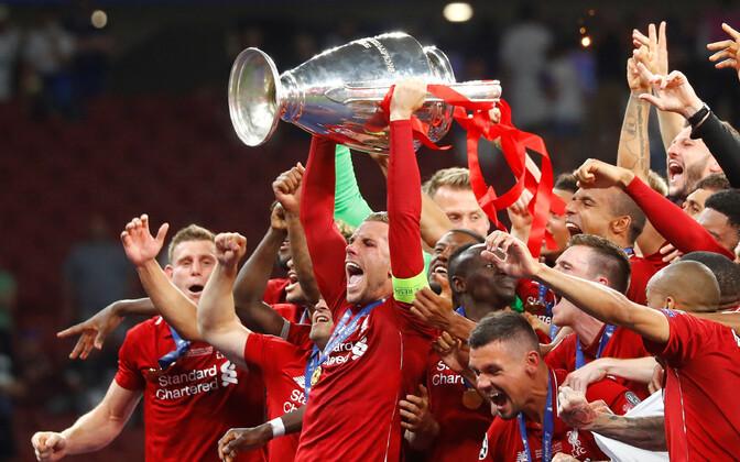 Liverpool Meistrite liiga trofeega