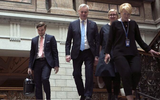 Antti Rinne oma koalitsioonikaaslastega.