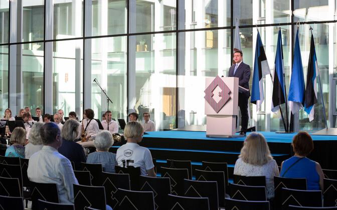 Юри Ратас призвал сограждан использовать эстонский флаг смело и с гордостью.